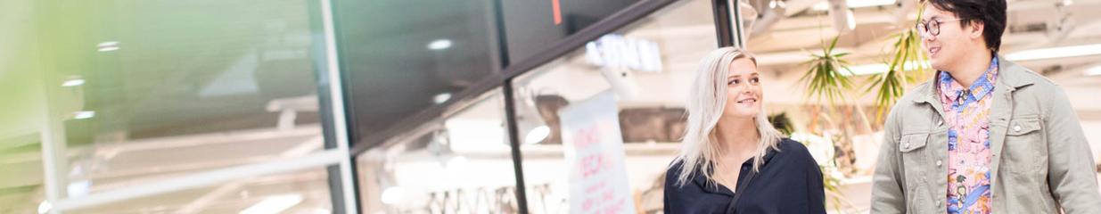Ölands Köpstad - Apotek, Optiker, Banker, Fastighetsmäklare, Caféer, Livsmedelsbutiker, Restauranger & Serveringar, Systembolag & Ombud, Personliga assistenter, Finans- & Bankverksamhet, Barn- & Babykläder, Damkläder, Herrkläder, Djuraffärer, Inredningsartiklar, Klädaffärer, Sportaffärer & Friluftsutrustning, Skoaffärer, Blomsterhandel, Köpcentrum & Gallerior
